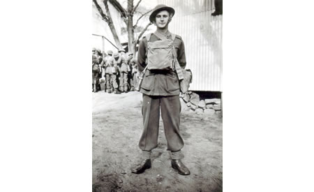 Private Ted Brindle in full pack, Northam Camp, 1941. Courtesy Ted Brindle