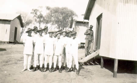 Ted Brindle (third from right) and fellow 2/32nd Battalion Reinforcements in their winter underwear, Northam Camp, 1941. Courtesy Ted Brindle