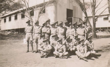 2/32nd Battalion Reinforcements, Northam Camp, 1941, in front of barrack building. Courtesy Ted Brindle